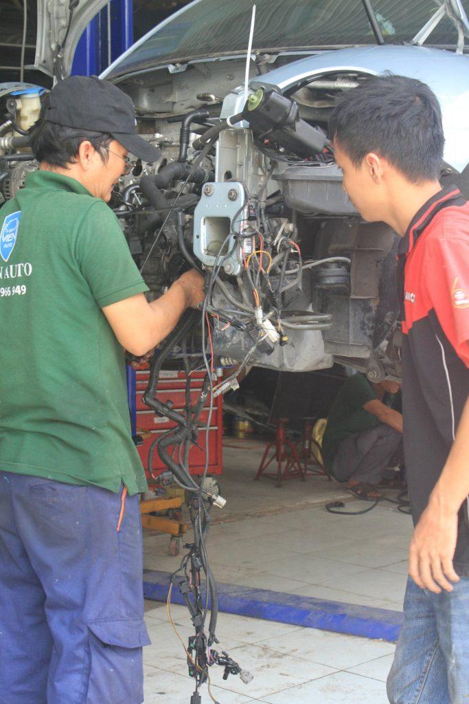 garage chuyên sửa ô tô Mazda